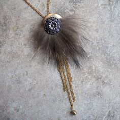 Long fur necklace - recycled natural brown fur and recycled vintage flower… Fur Accessories, Crochet Accessories, Jewelry Art, Beaded Jewelry, Vintage Buttons, Leather Jewelry, Beaded Embroidery, Creations, Jewelry Making