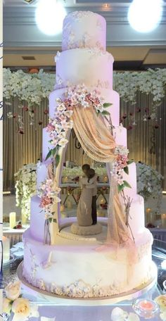 Whimsical unique wedding cake enjoy rushworld boards wedding cake theI Am Blown Away By This Absolutely Stunning Tiered Wedding Cake Design Featuring A Hollowed Out Center Cavity Which Is Used To House A Gum Paste/Fondant Figurine That Has Been Sculp Whimsical Wedding Cakes, Big Wedding Cakes, Luxury Wedding Cake, Amazing Wedding Cakes, Elegant Wedding Cakes, Wedding Cake Designs, Unique Weddings, Amazing Cakes, Extravagant Wedding Cakes