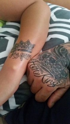 Here are some matching tattoo ideas for sisters. Are you both fond of tattoos? King Queen Tattoo, King Tattoos, Body Art Tattoos, Sleeve Tattoos, Cool Tattoos, Female Hand Tattoos, Couples Hand Tattoos, Mens Hand Tattoos, Tatoos