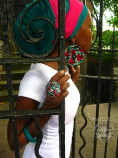 ♥ Lovely fuschia on green head wrap ♥ Love the african print earrings & the ring too! ♥