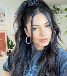 14 Tendril Hairstyles for a Stylin' Mood Hairdo For Long Hair, Easy Hairstyles For Long Hair, Hair 24, Frizzy Hair Hairstyles, Hairstyle Ideas, Half Up Long Hair, Easy School Hairstyles, Men With Long Hair, Casual Hairstyles For Long Hair
