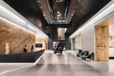 Montalba Architects: EQUINOX Vancouver Having a fit and fit body is desirable by everyone. The Loft, Albion Fit, Reception Desk Design, Reception Areas, Fitness Design, Gym Design, Club Design, Gym Interior, Interior Design