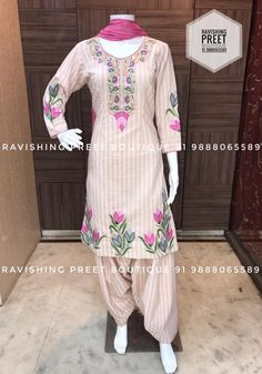 Salwar Suit Neck Designs, Neck Designs For Suits, Kurta Designs Women, Blouse Designs, Designer Punjabi Suits Patiala, Punjabi Suits Designer Boutique, Pakistani Dress Design, Embroidery Suits Punjabi, Embroidery Suits Design