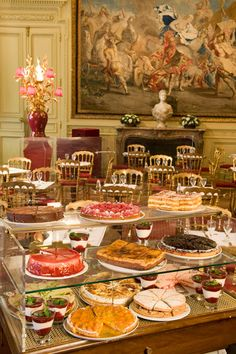The café in the Musée Jacquemart-André is one of the most beautiful tearooms in Paris.