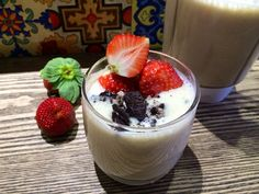 strawberry banana milkshake from VFRUITS shop