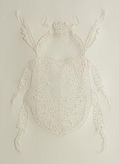 Pascale Malilo, papier piqué / Picotage sur Simili japon. Photo © Studio Philippe de Formanoir.