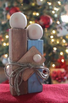 wood Crafts Christmas Gifts Easy DIY is part of Christmas wood crafts - Welcome to Office Furniture, in this moment I'm going to teach you about wood Crafts Christmas Gifts Easy DIY Wooden Christmas Crafts, Wooden Christmas Decorations, Christmas Nativity, Noel Christmas, Rustic Christmas, Christmas Projects, Simple Christmas, Holiday Crafts, Christmas Gifts