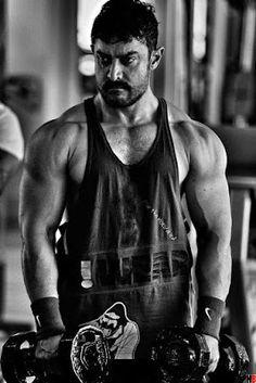 Aamir Khan Ready For Dangal Flashback