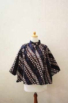 Andari Parang Batik Cape, Price : IDR 300,000, Catalog code : AB15. SOLD OUT at djokdjabatik.com