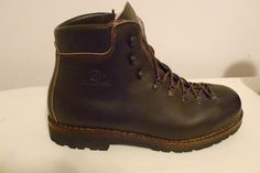 SOLD: Virtually unworn old-school Scarpa leather hiking boots 11.5M (made in…