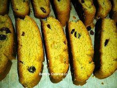 Betty's Cuisine: Κρητικά νηστίσιμα παξιμαδάκια με σταφίδες Greek Desserts, Greek Recipes, Easy Cooking, Cooking Recipes, Biscotti, Zucchini, Bread, Cookies, Baking