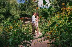 Summer outdoor garden elopement in Chicago by Creativo - Chicago Small Weddings and Elopements
