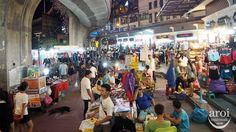 Victory Monument Shopping! Find out more from http://aroimakmak.com/victory-monument-shopping/. #shopping #bangkok