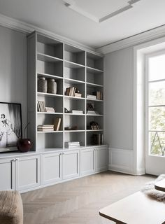 Home Interior Classic Can we just take a moment for this perfect dove grey bookshelf DIVINE via.Home Interior Classic Can we just take a moment for this perfect dove grey bookshelf DIVINE via Living Room Shelves, Home Living Room, Living Room Decor, Living Room Tv Cabinet, Decor Room, Grey Bookshelves, Built In Bookcase, Painted Bookshelves, Bookshelf Wall