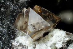 Senarmontite,  Sb2O3, Pereta Mine, Tuscany, Italy