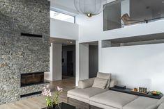 Two-storey high livingroom