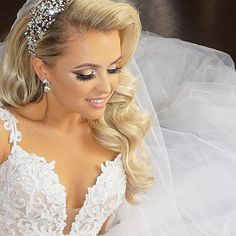 Glam and gorgeous Marisa!! Bridal headpiece by Bridal Styles Boutique.