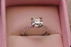anel de noivado na caixinha
