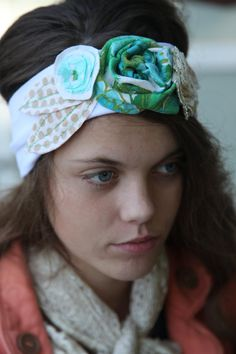 Love this headband.