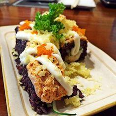 Salmon Crispy Aburi Black Rice #salmon #sushi #aburi #blackrice #tobiko by tiffany222_tm