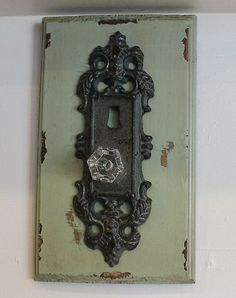 Shabby Vinatge French Country Chic Sage Green Door Knob Plaque Hook Wall Décor | eBay Shabby Chic Cottage, Shabby Chic Decor, Sage Green Walls, Dream Master Bedroom, French Country Decorating, Country Chic, Door Knobs, Candle Sconces, Decorating Ideas