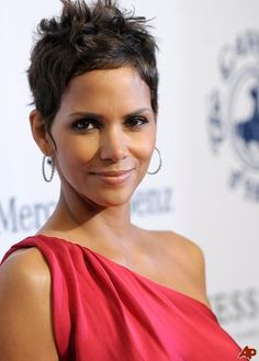 7 Graceful Hairstyles Of Halle Berry : Halle Berry Hairstyles Halle Berry Pixie, Halle Berry Haircut, Halle Berry Short Hair, Halle Berry Hairstyles, Halle Berry Style, Short Spiky Hairstyles, Celebrity Hairstyles, Hally Berry, Medium Hair Styles