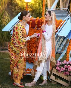 Dholki bride with her sister Pakistani Wedding Outfits, Pakistani Dresses, Indian Dresses, Indian Outfits, Pakistani Clothing, Punjabi Wedding, Indian Attire, Bridal Outfits, Indian Wear