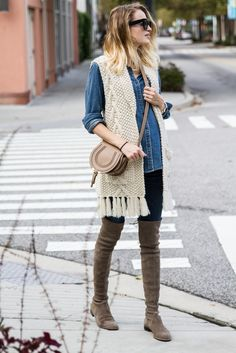 db8e89335ca fall   winter - street style - street chic style - casual outfits - denim  shirt + cream chunky knit fringe vest + dark denim skinny jeans + light  brown over ...