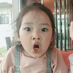 Little Boy And Girl, Cute Little Baby, Cute Baby Girl, Little Babies, Baby Kids, Cute Asian Babies, Korean Babies, Asian Kids, Cute Baby Meme
