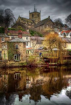 Knaresborough, Harrogate, North Yorkshire, is an old and historic market town, spa town. Knaresborough is mentioned in the Domesday Book as Chenaresburg, meaning 'Cenheard's fortress'. Knaresborough Castle dates from Norman times, around 1100, the town began to grow and provide a market and attract traders to service the castle. http://www.LystHouse.com
