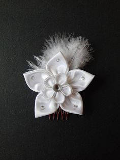 Box comb white kanzashi flower for hair PER