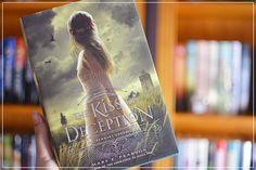 Cantinho da Leitura: Resenha | The Kiss of Deception, de Mary E. Pearson