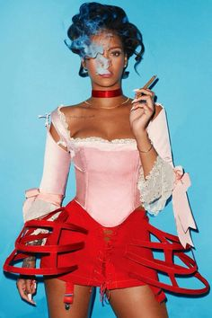 Rihanna One Eye Symbolism Mode Rihanna, Rihanna Love, Rihanna Riri, Rihanna Style, Cigars And Women, Women Smoking Cigars, Divas, Brust Tattoo, Rihanna Outfits
