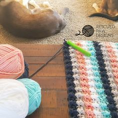 Crochet Afghan Ever So Striped Crochet Baby Blanket - Rescued Paw Designs - In need of a quick baby gift? Make this modern crochet blanket today with this easy tutorial and you'll have a gift in no time at all! Ready to get started now? Scroll on down Crochet Afghans, Modern Crochet Blanket, Striped Crochet Blanket, Crochet Baby Blanket Beginner, Easy Baby Blanket, Crochet Blanket Patterns, Crochet Blankets, Baby Afghans, Crotchet Baby Blanket