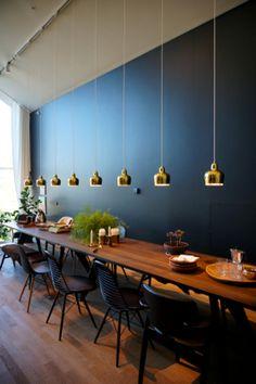 秋休み中日&最高の秋晴れだった木曜日。黒い森(Schwarzwald)を抜けてドイツ・スイス国境沿いの小さな町にあるVitraHauseを目指す。 車を... Alvar Aalto, Kitchen Lighting, Interior Ideas, Tuscany, Light Fixtures, Pendants, Lights, Craft, Table