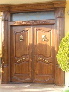 Puerta exterior en madera vieja hoja m s fijo for Puertas corredizas rusticas