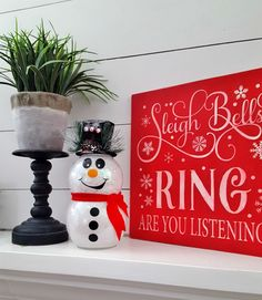 DIY Snowman with Glitter and Lights: Easy Fishbowl Snowman! - Leap of Faith Crafting Christmas Crafts To Make And Sell, Cricut Christmas Ideas, Diy Christmas Gifts, Christmas Projects, Holiday Fun, Christmas Time, Christmas Decorations, Christmas Ornaments, Christmas Globes