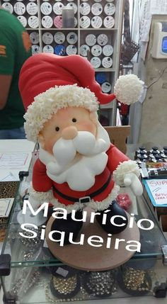 Resultado de imagem para mauricio siqueira biscuit Christmas Pasta, Polymer Clay Christmas, Polymer Clay Crafts, Polymer Clay Creations, Winter Christmas, Christmas Crafts, Xmas, Clay Ornaments, Holiday Ornaments