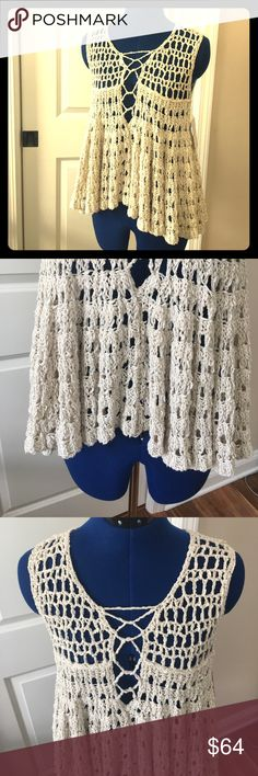 💕 Free People Cream Top Beautiful Cream Color!  82% Cotton.  18% Nylon.  Hand wash cold.  Reshape and lay flat to dry. 😊 Free People Tops
