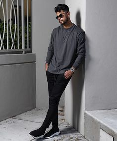 7 Stylish Outfit For 2020 .Feat (Alex Costa, One Dapper Street) Stylish Mens Outfits, Basic Outfits, Cool Outfits, Casual Outfits, Men Casual, Teaching Mens Fashion, Mens Style Guide, Best Mens Fashion, Minimal Fashion