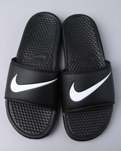 Can't find the exact ones I had, but I want Nike Slides from fredmeyer