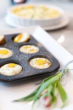 Champagne Brunch – How to Throw the Perfect Brunch - Typical Miracle Brunch Items, Breakfast Items, Chicken Fried Steak, Baked Chicken Breast, Oven Baked Eggs, Champagne Brunch, Birthday Breakfast, Biscuits And Gravy, Egg Dish