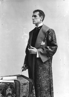"""William Gillette as the lead in a stage production of """"Sherlock Holmes"""", at the Lyceum Theatre, 9th September 1901"""