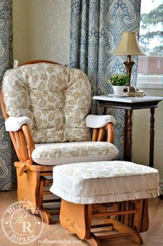This Glider Rocker Makeover with coordinating print and stripes turned out so striking Furniture Slipcovers, Slipcovers For Chairs, Glider Rocker Cushions, Easy Sewing Projects, Diy Projects, Savvy Southern Style, Painted Drawers, French Chairs, French Country Cottage