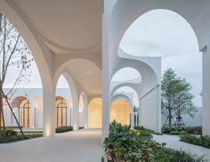 Image 1 of 35 from gallery of Aube Wedding Venue / PHTAA Living Design. Photograph by Beer Singnoi / Ketsiree Wongwan Baroque Architecture, Residential Architecture, Interior Architecture, Architectural Digest, Bangkok, Exterior Design, Interior And Exterior, Brides Room, Curved Walls