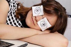 Firme no trabalho: como não morrer de sono após o almoço
