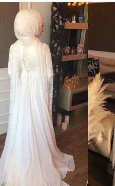 Muslimah Wedding Dress, Hijab Style Dress, Muslim Wedding Dresses, Hijab Bride, Wedding Hijab, Bridal Dresses, Bridesmaid Dresses, Wedding Dress Silhouette, Hijab Fashion Inspiration