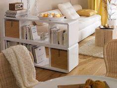 Usa muebles bajos para no perder la iluminación natural y no disminuir la ventilación.
