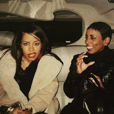 AALIYAH (ah-lee-yah) — Mean muggin in the backseat ! Rip Aaliyah, Aaliyah Style, Black Girl Aesthetic, 90s Aesthetic, Hip Hop Fashion, 90s Fashion, Xavier Naidoo, Aaliyah Haughton, 90s Hip Hop