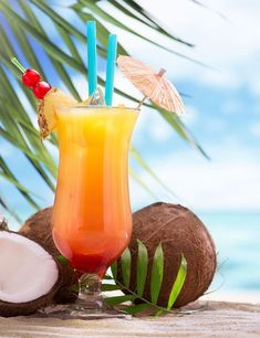Jamaica Me Crazy is an explosion of tropical fruits and rum blended into an irresistible summer drink. Cocktail Fruit, Tiki Cocktail, Cocktail Recipes, Smoothie, Ripe Pineapple, Candle Containers, Tropical Fruits, Summer Drinks, Drinks On The Beach